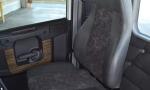 122SD CAB PS SEAT RR DR