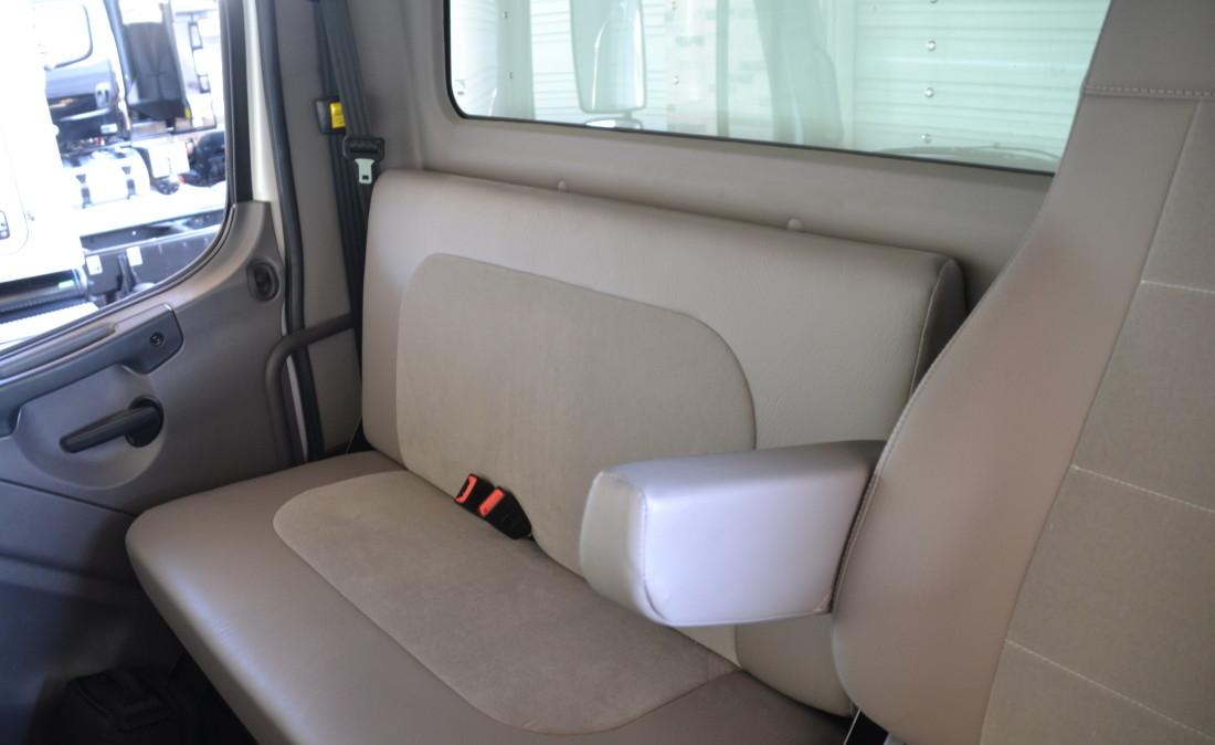 Passgr Seat (5)
